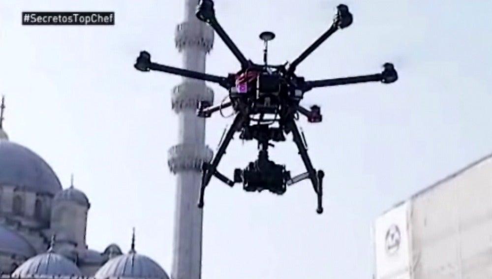 El dron que sobrevuela a los concursantes