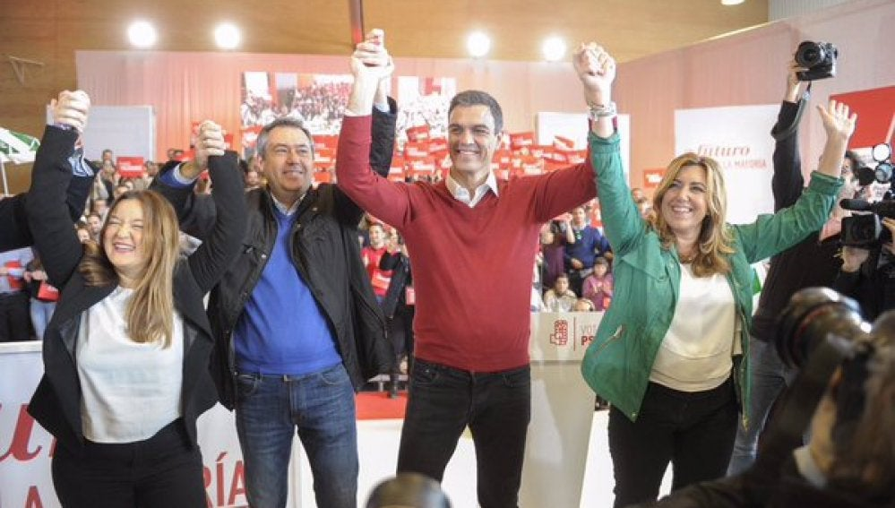 Pedro Sánchez y Susana Díaz, durante un acto electoral en Sevilla
