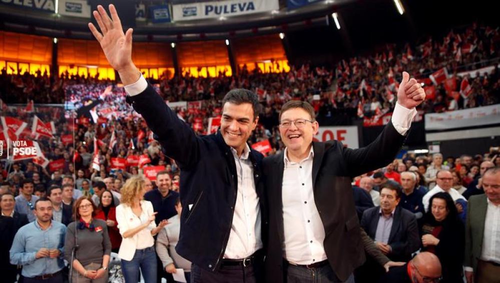 Pedro Sánchez, con Ximo Puig