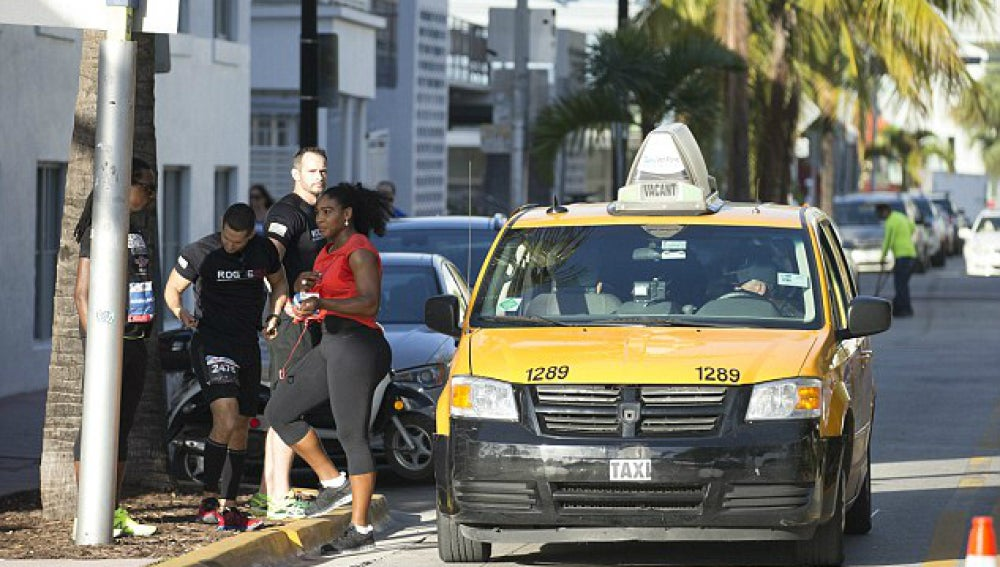 Serena Williams, cazada mientras paraba un taxi en una carrera de su fundación