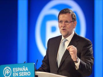 Mariano Rajoy durante un acto de campaña electoral en Santander