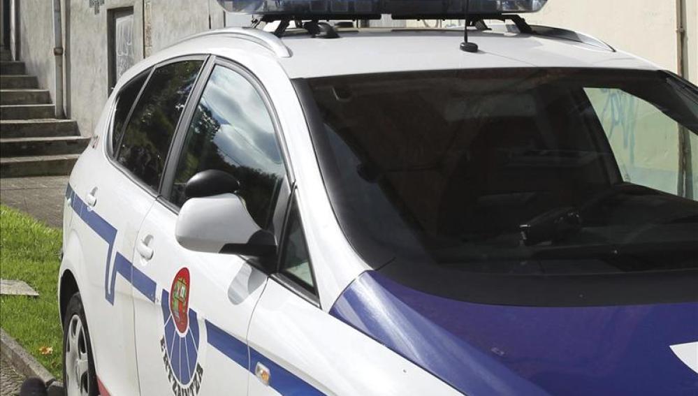 Imagen de archivo de un coche de la Ertzaintza.