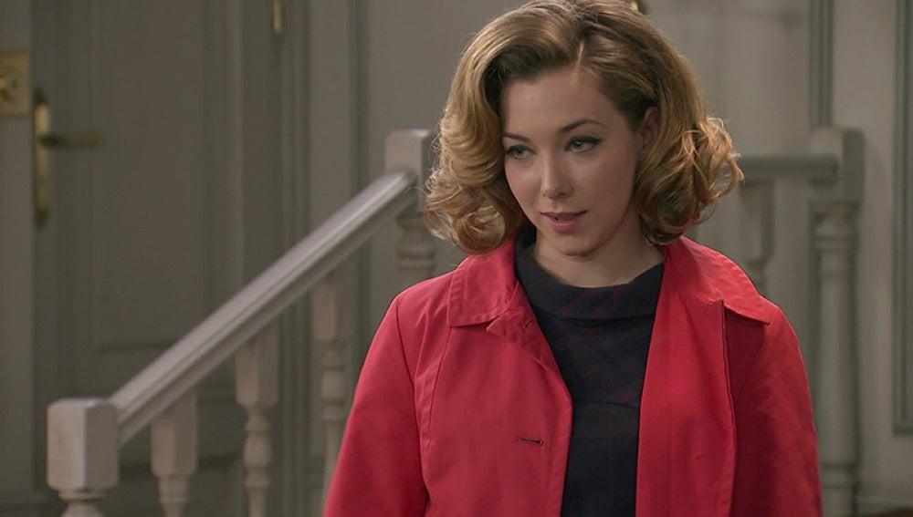 Carmen le dice a Leonor que Lucas se siente atraído por ella