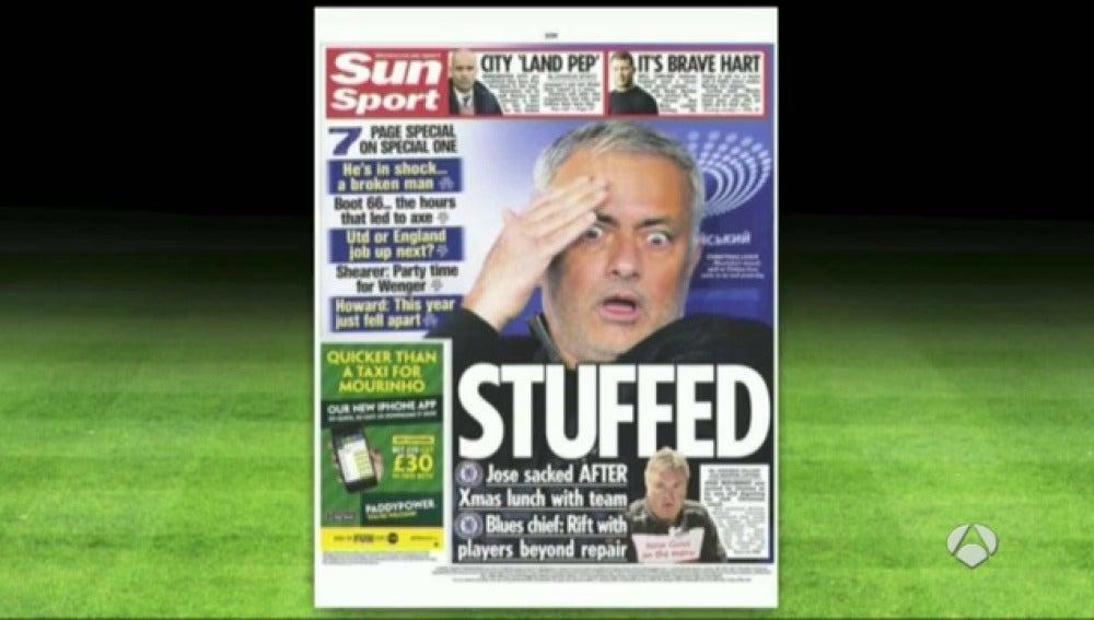 Frame 19.692118 de: Los medios reflejan el fracaso de Mourinho al frente del Chelsea