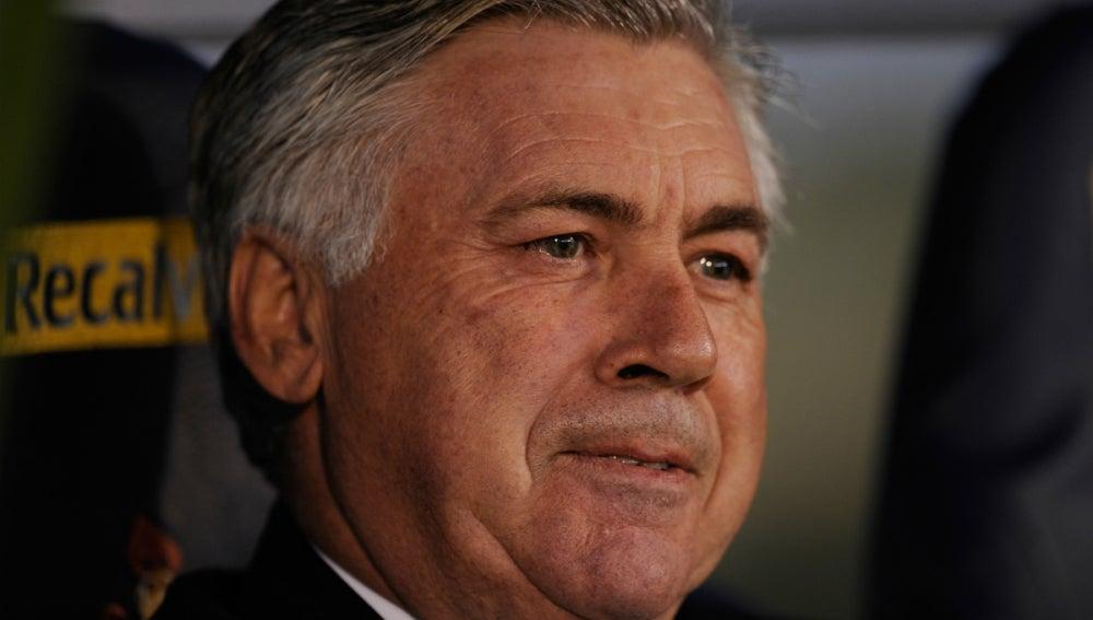 Ancelotti, en un banquillo