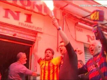 Aficionados del Barcelona celebran el Mundialito