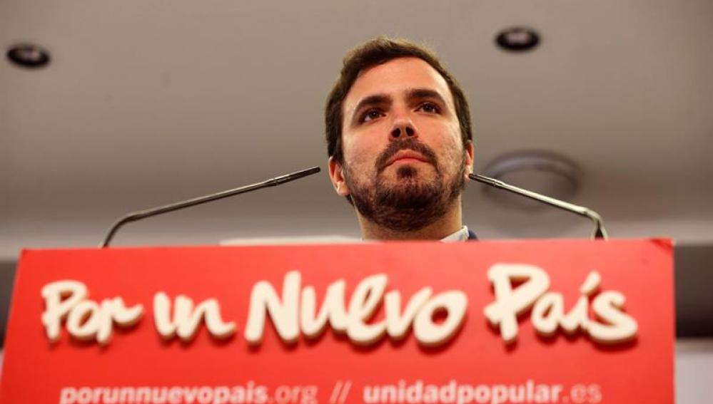 Alberto Garzón durante una rueda de prensa tras la jornada electoral