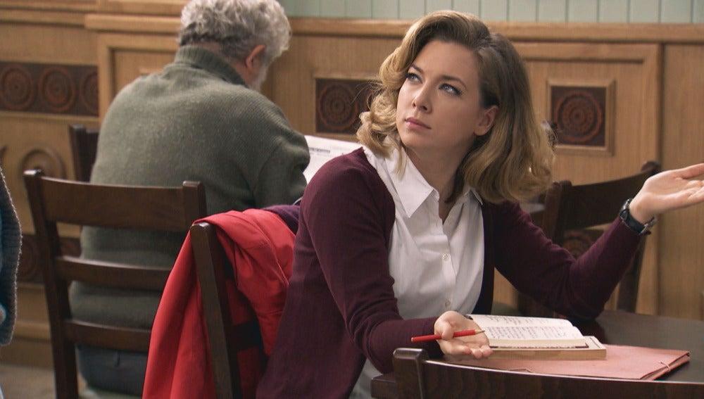 Leonor se siente indecisa ante la proposición de Miguel