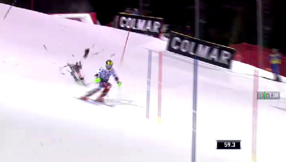 Cae un dron durante una prueba de esquí alpino