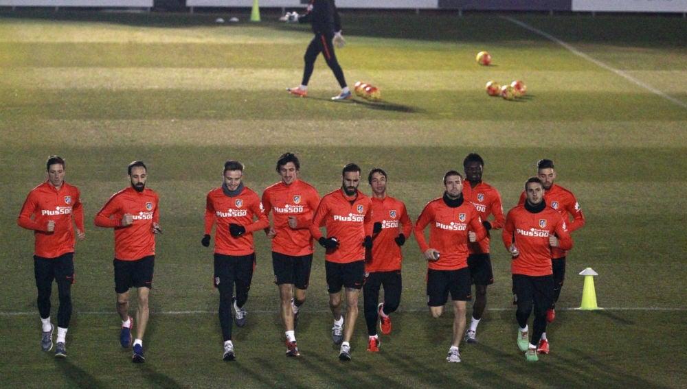Los jugadores del Atlético corren en Majadahonda