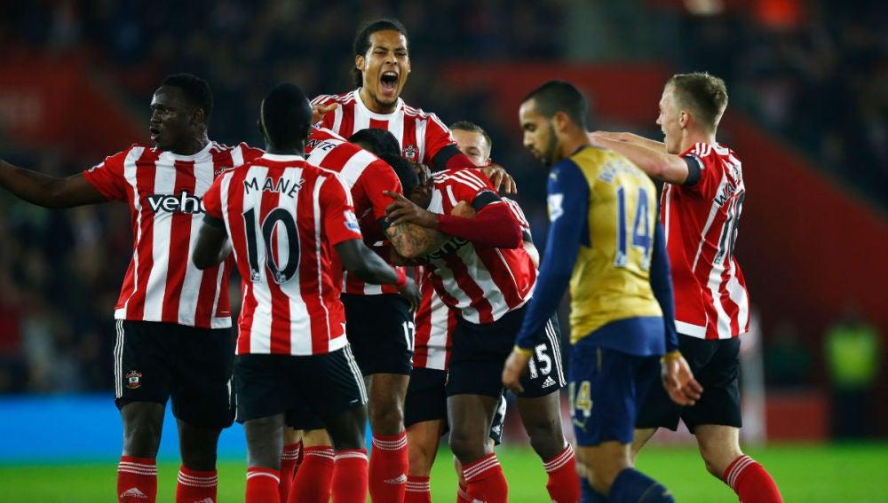 Cuco Martina celebra su gol ante el Arsenal