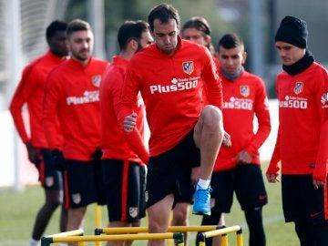 Diego Godín, durante el entrenamiento del Atlético de Madrid