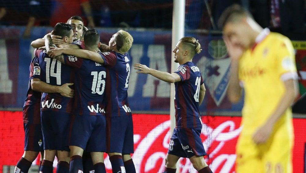 El Eibar celebra un gol ante el Sporting