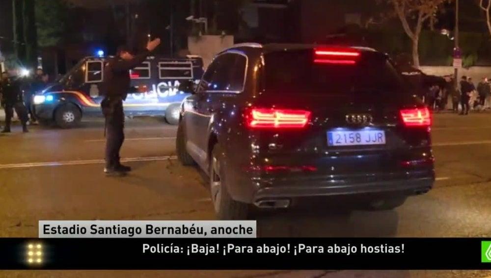 Un Policía abronca a Bale