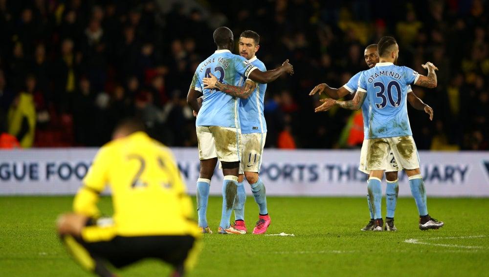Los jugadores del Manchester City celebran un gol frente a los del Watford