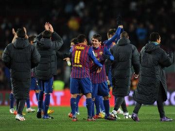Thiago Alcántara se abraza con Leo Messi, en su etapa en el Barça