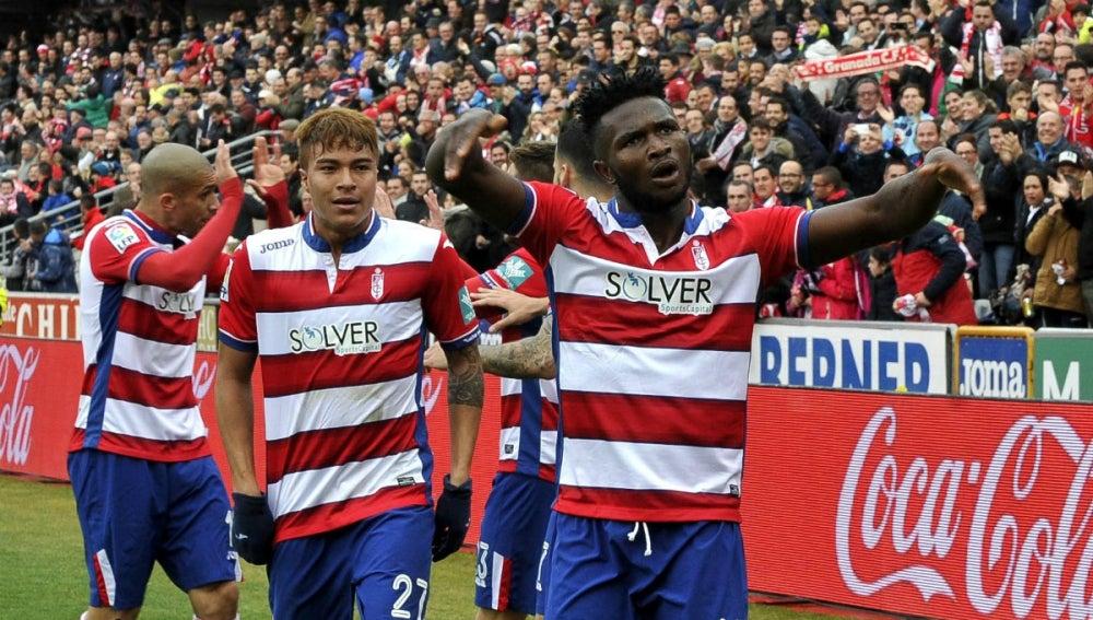 Success celebra su gol contra el Sevilla