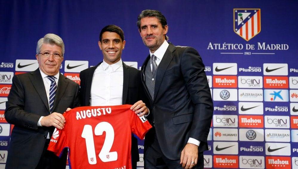 Presentación de Augusto Fernández con el Atleti