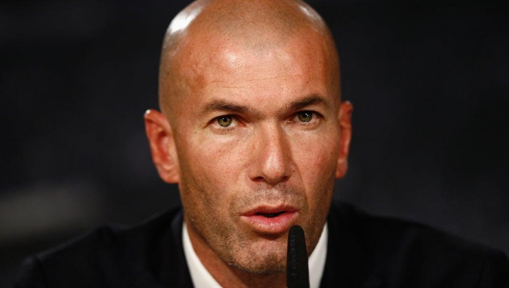 Zidane en la rueda de prensa de su presentación