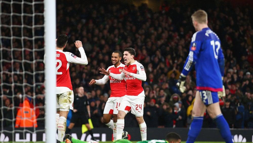 Los jugadores del Arsenal celebran un gol frente al Sunderland