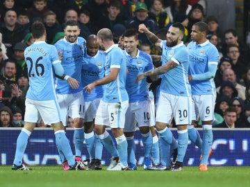 El City celebra un gol de Agüero