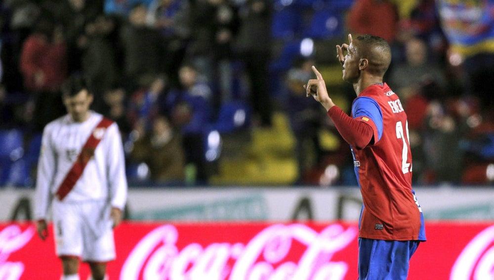 Deyverson celebra un gol ante el Rayo