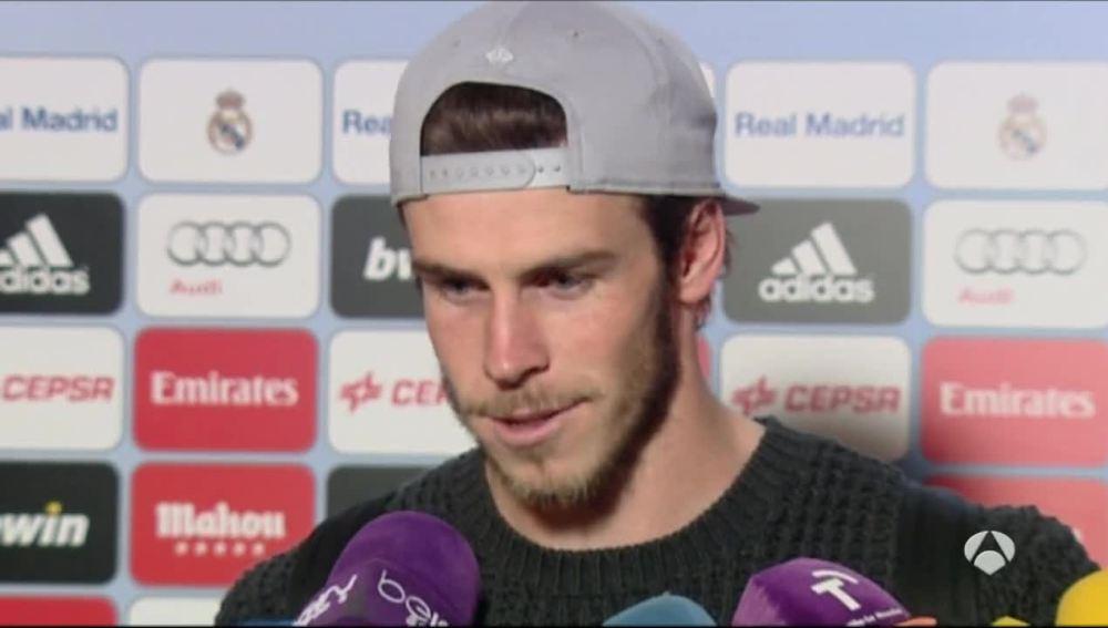 Gareth Bale atiende a los medios en zona mixta tras el partido frente al Deportivo