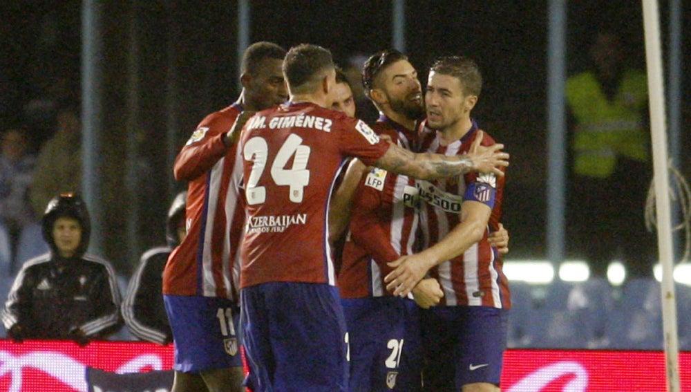 El Atlético celebra un gol en Balaídos