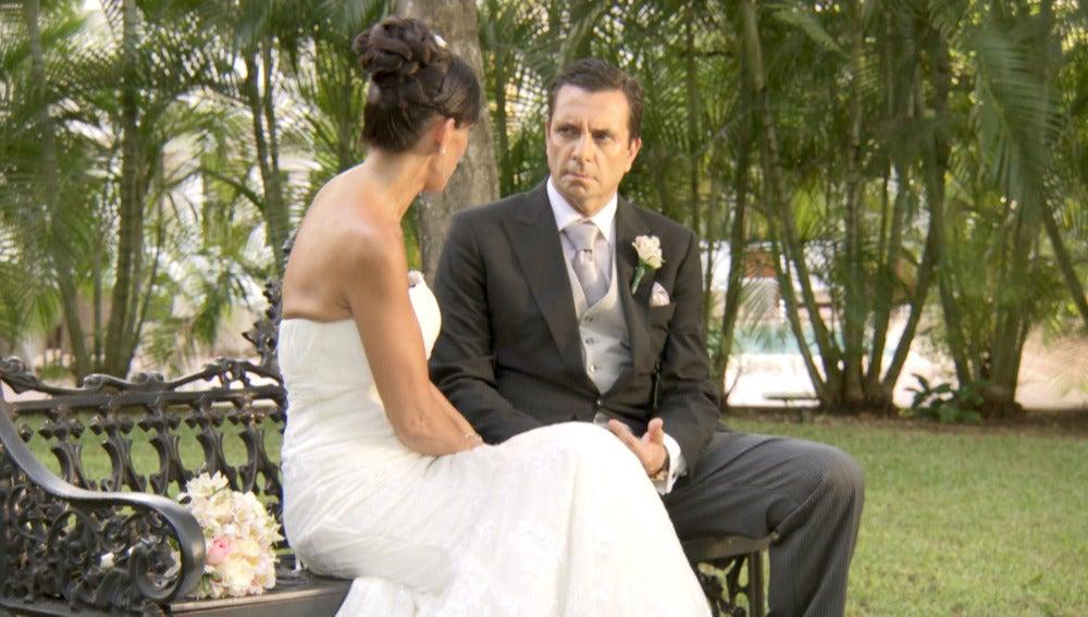 La primera conversación de Pedro y Mónica