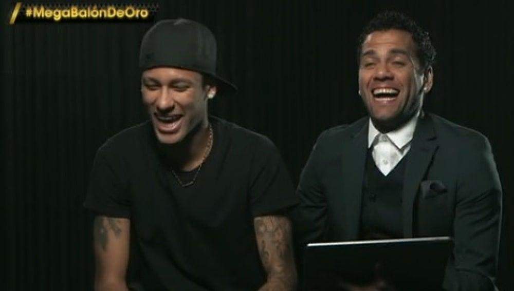Neymar y Alves, en la gala del Balón de Oro