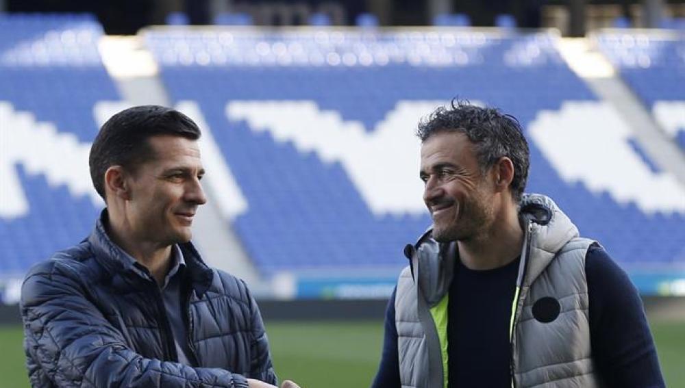 Galca y Luis Enrique, en el encuentro en Cornellá antes del derbi