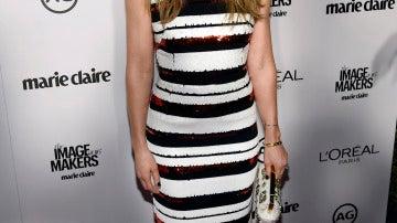 Jessica Biel, con vestido a rayas en negro y blanco