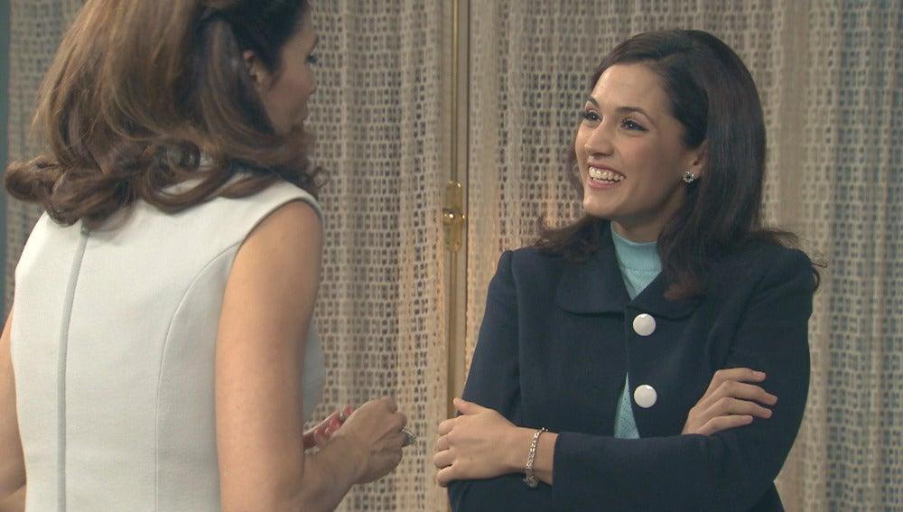 Adela, nerviosa antes de su cita con Tomás