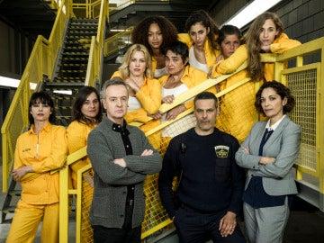 El elenco de actores de 'Vis a Vis' reunido