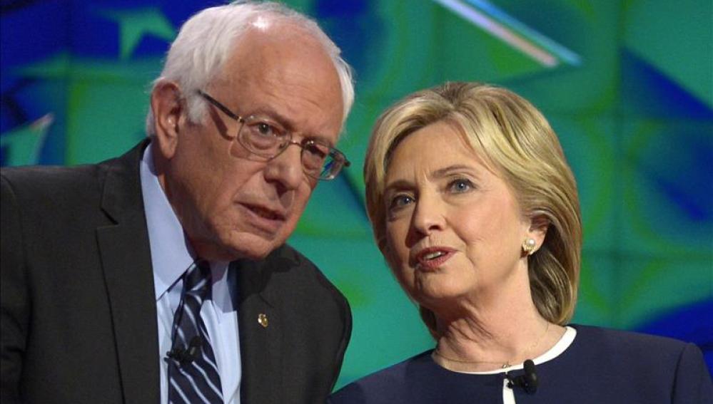 Hillary Clinton y Bernie Sanders en una imagen de archivo