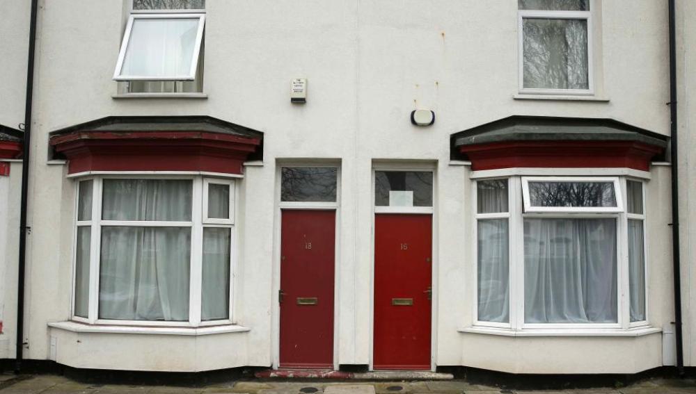 Puertas pintadas de rojo en Middlesbrough