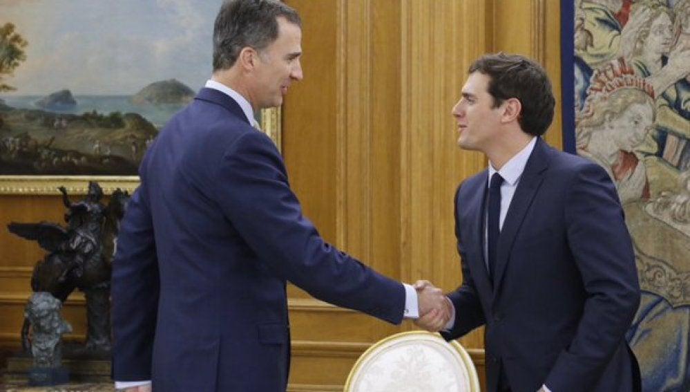 El Rey recibe a Albert Rivera