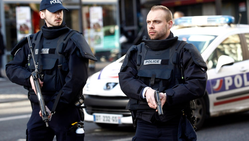 Agentes de la Policía francesa