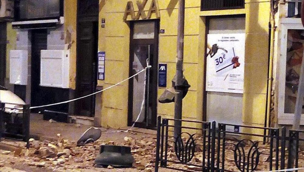 Aspecto de un inmueble afectado por el terremoto en Melilla