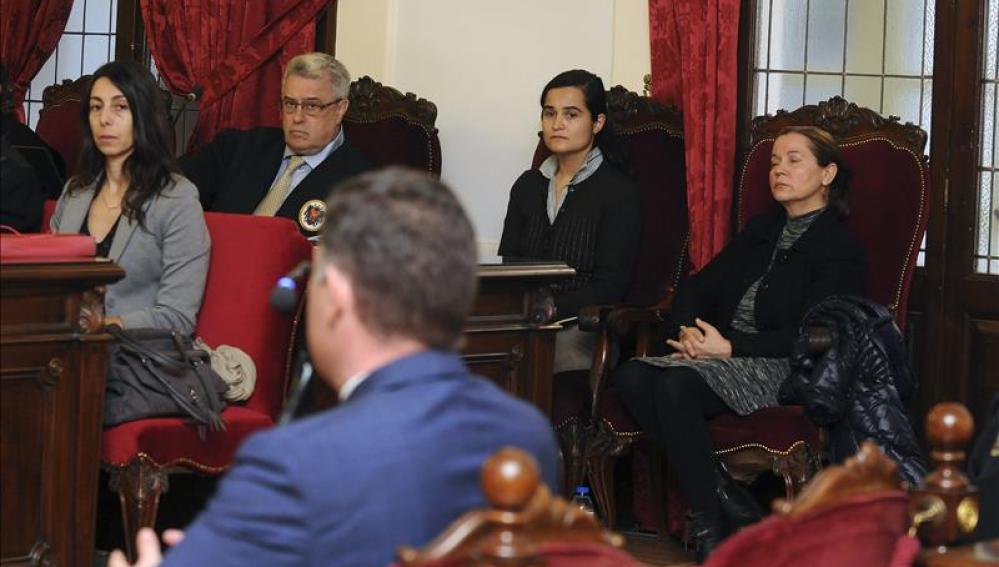 Las acusadas del crimen de Carrasco en la sala del juicio