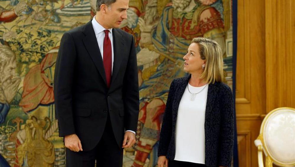 El Rey con Ana Oramas