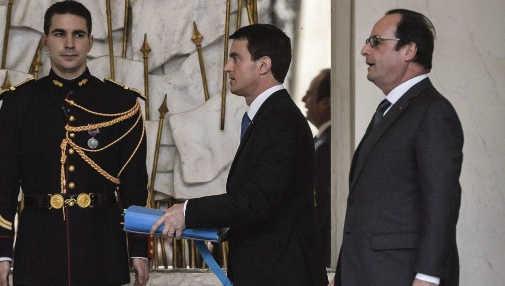 El primer ministro francés, Manuel Valls, y el presidente de Francia, François Hollande
