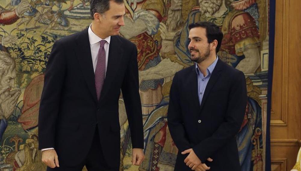 El Rey Felipe VI y Alberto Garzón en Zarzuela
