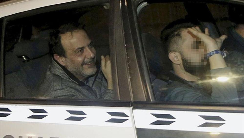 Vicente Burgos, uno de los detenidos en la 'Operación Taula' a su llegada a los juzgados