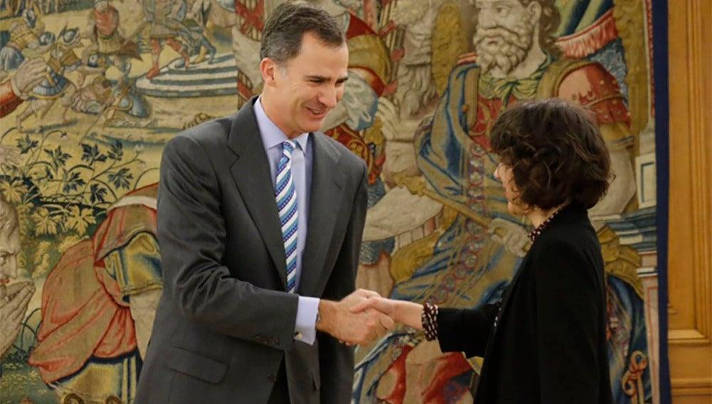 El Rey recibe a Alexandra Fernández