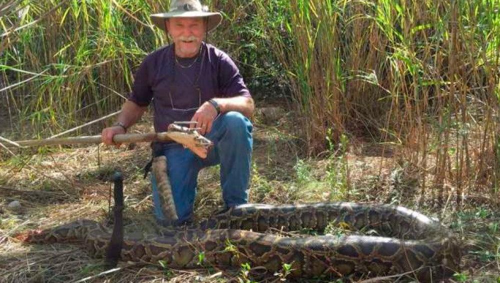 Cazador de pitón en Everglades