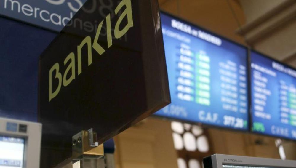 Paneles informativos en la Bolsa de Madrid.