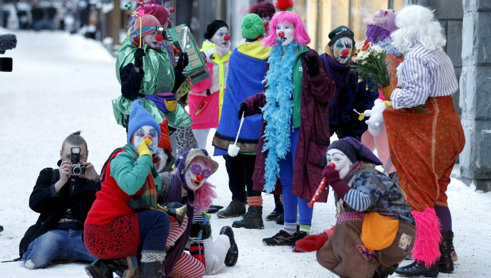 Miembros del grupo anti-racista 'Loldiers of Odín' en Tampere