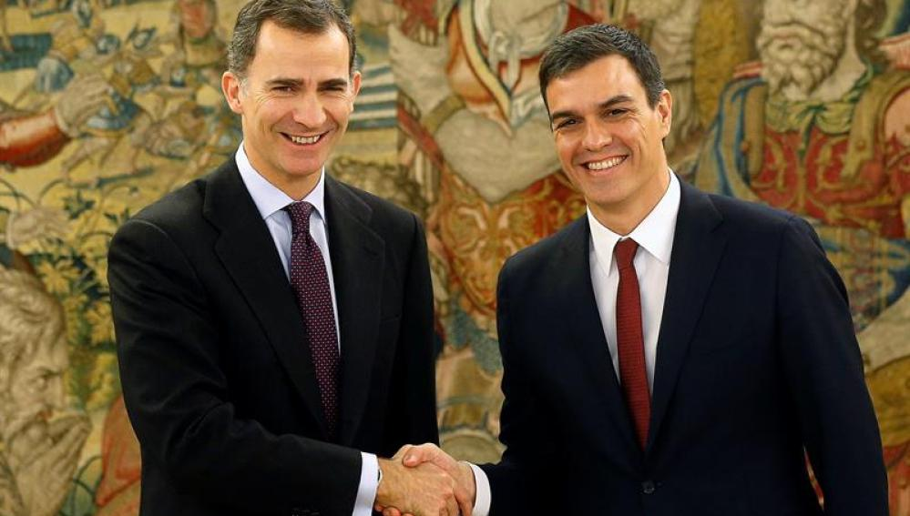 El Rey recibe a Pedro Sánchez en Zarzuela