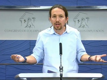 Pablo Iglesias, durante la rueda de prensa en el Congreso